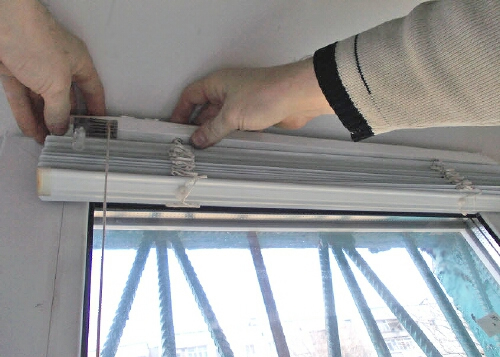 монтаж жалюзи на окна своими руками
